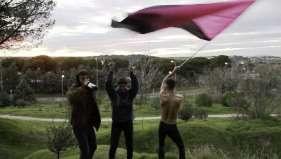 Trío con bandera